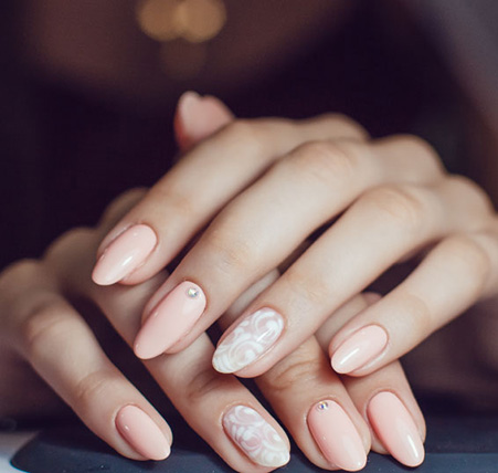 Gel nails services in Headingley